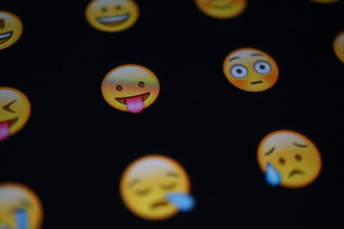 emoji-653309_1920